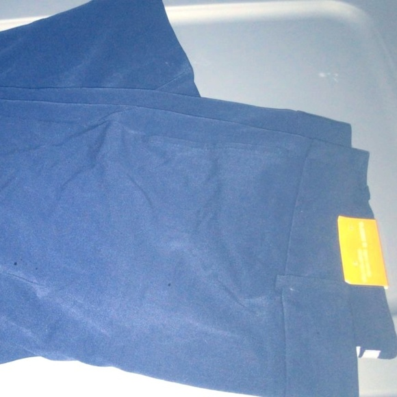 Merona Pants - Classic Fit Women mid-rise Straight  Dress Pants